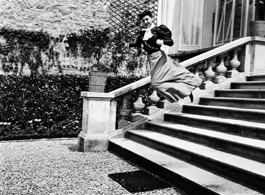 """La Burbuja Rosa"""": Viaggio negli scatti di Jacques Henri Lartigue"""