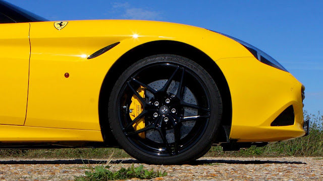 Ferrari California T Handling Speciale (2016) UK review