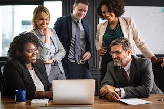 Tips Sederhana untuk Komunikasi Kelas Satu di Tempat Kerja