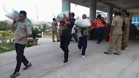 Bupati Dompu Lepas Keberangkatan Bantuan Kemanusiaan untuk Korban Gempa Lombok