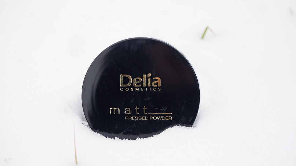 Delia Cosmetics / Matt Pressed Powder