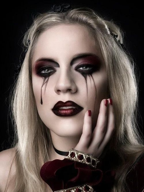 Happy Halloween Day: 22 Halloween Vampire Makeup Ideas