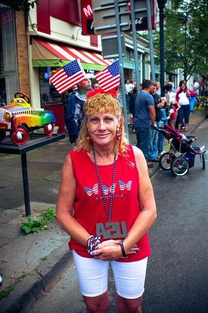 4_červenec_v_USA_žena_patriotka