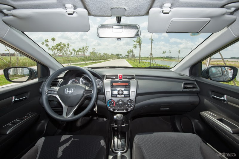 Khoang lái của Honda City 2015