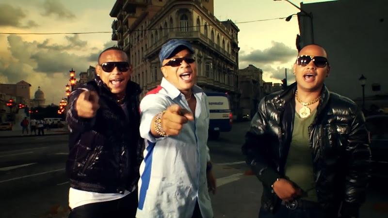 Issac Delgado y Gente de Zona - ¨Somos Cuba (Mira como vengo)¨ - Videoclip - Dirección: Alejandro Pérez. Portal Del Vídeo Clip Cubano
