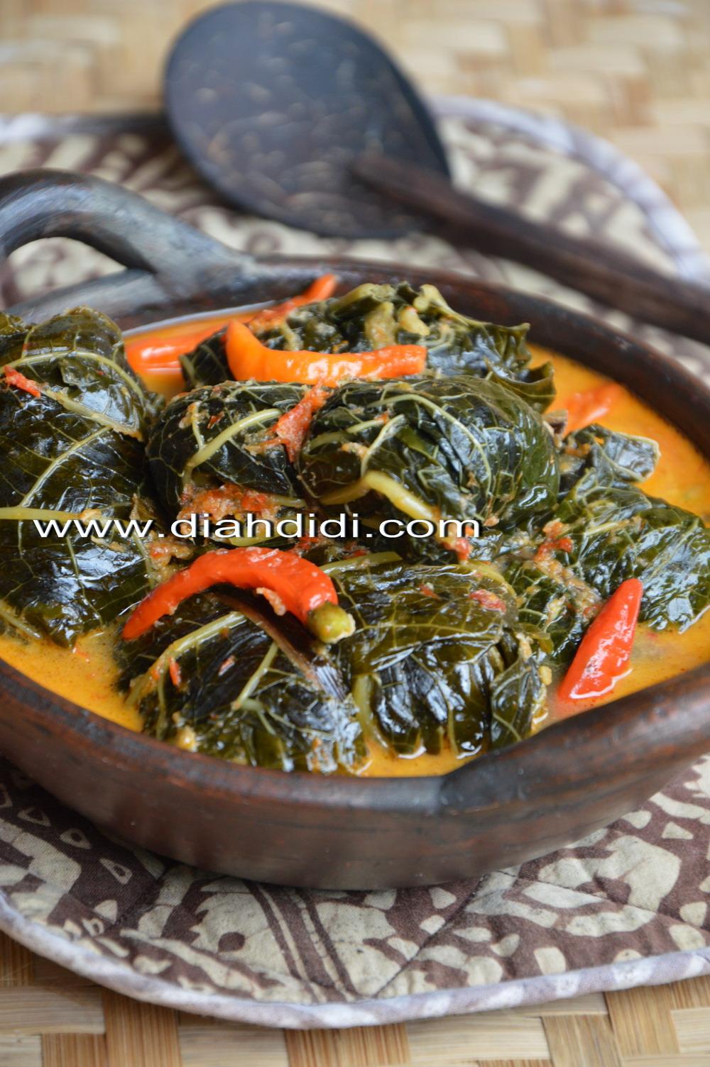 Sayur Daun Pepaya : sayur, pepaya, Didi's, Kitchen:, Buntil, Pepaya, Pedas