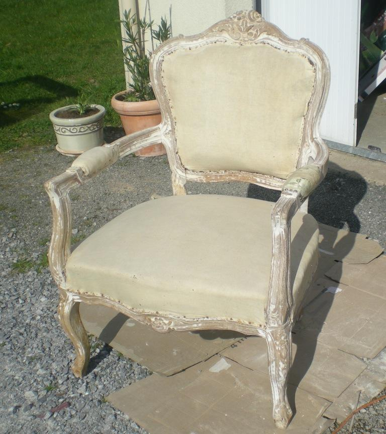 les secrets de famille les coulisses d 39 une r novation de fauteuil louis xv. Black Bedroom Furniture Sets. Home Design Ideas