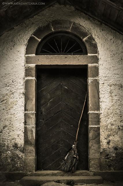 Aker Dantzaria Witch House Door with Raven Broomstick Besom Broom