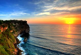 Tempat Wisata di Bali - Uluwatu