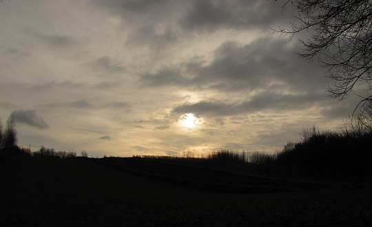 Słońce ponad doliną.