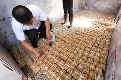 Wow! Beli Mobil Mewah, Pria Ini Bayar Dengan Koin Seberat 4 Ton