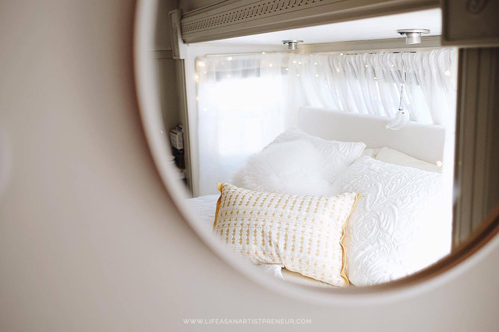 bed small space inspiration