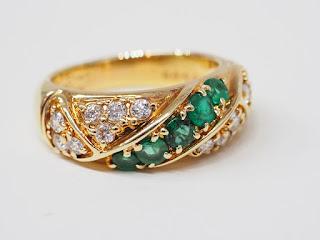 ポーラジュエリー エメラルドダイヤモンドリングを買い取りました