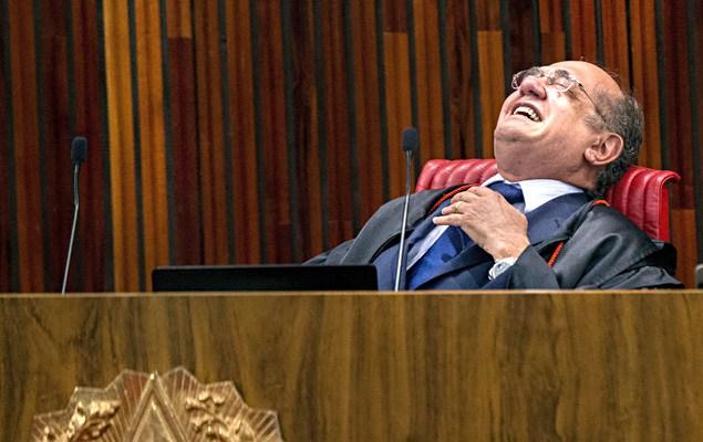 Resultado de imagem para Gilmar Mendes rindo