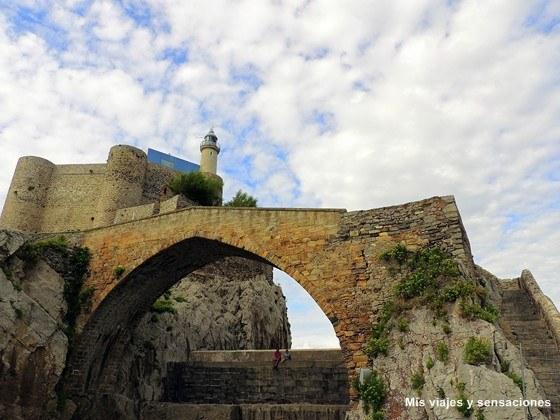 El Puente medieval romano o viejo de Castro Urdiales, Cantabria