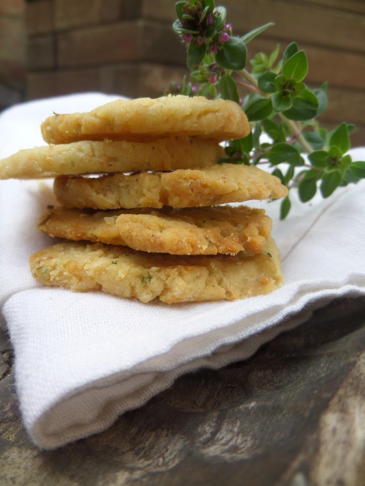 lemon thyme and parmesan biscuits biscuits sal s au thym citron et au parmesan my nomad cuisine. Black Bedroom Furniture Sets. Home Design Ideas