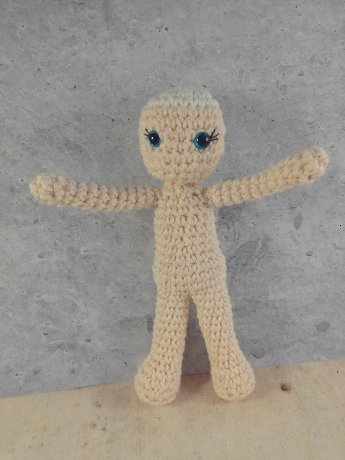 Weebee Crochet Doll - How to sew the arms onto a standard size ... | 1600x1200