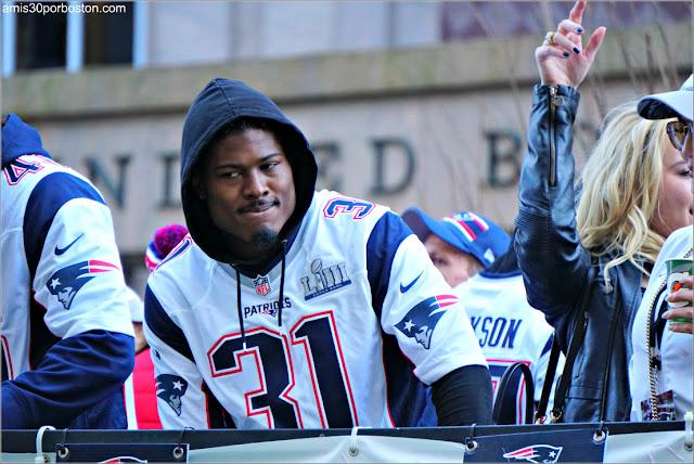 Jonathan Jones en el Desfile de los Patriots por la Celebración de la Super Bowl LIII