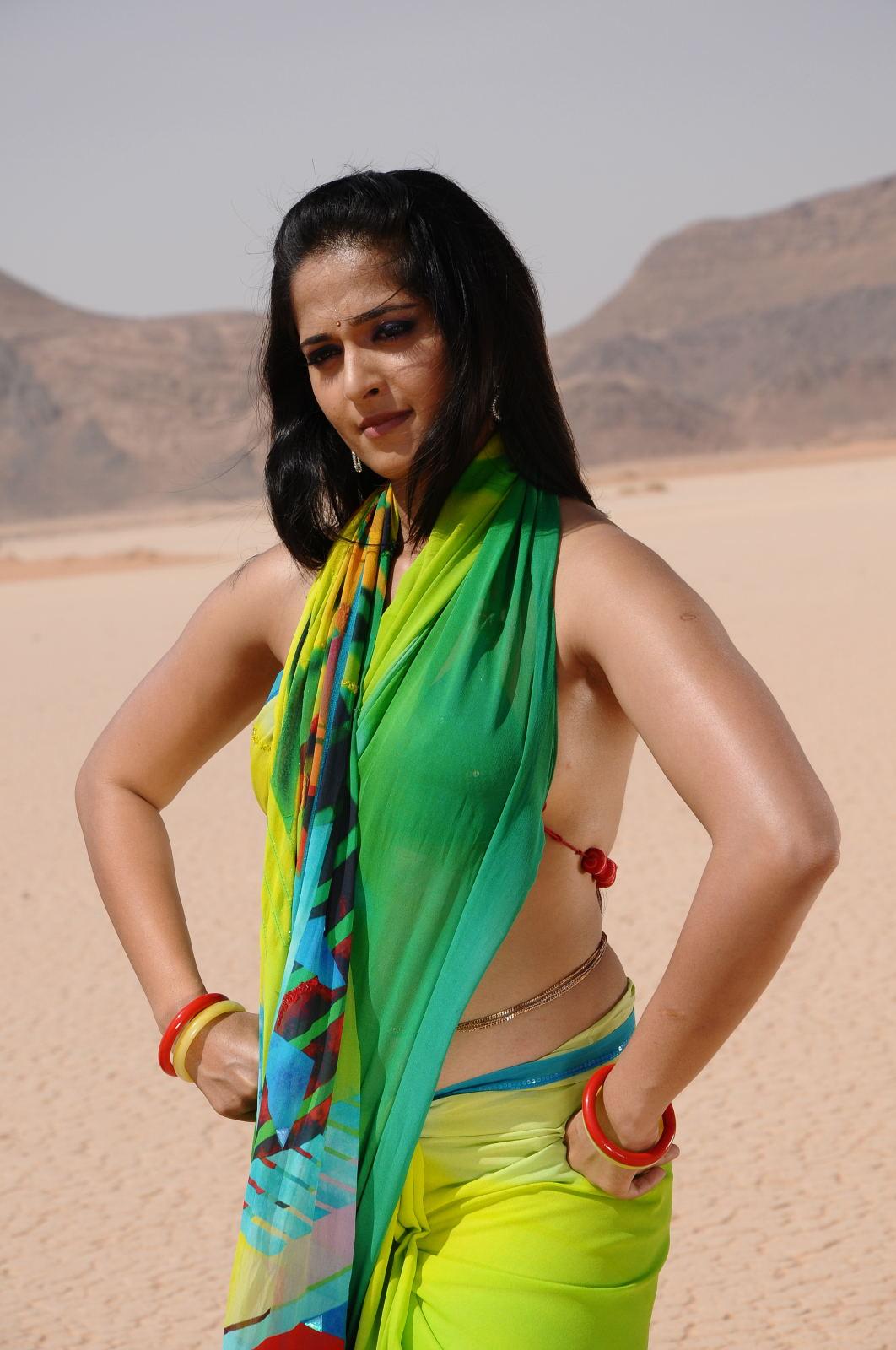 anushka shetty back photo
