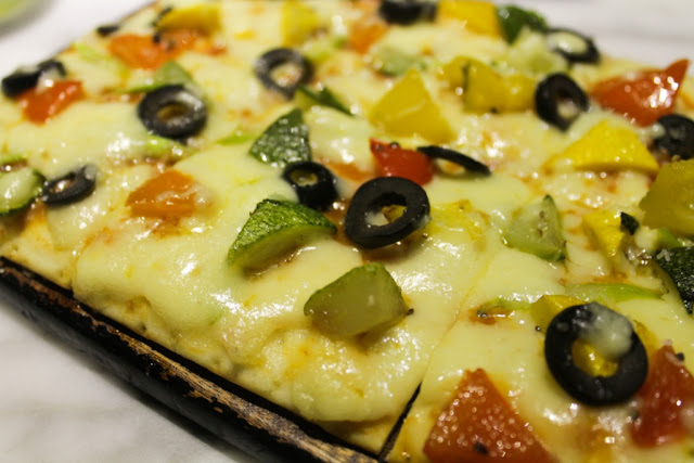 Vegetarian Delicious Gourmet Pizza Food Photography Blog Review Recipe