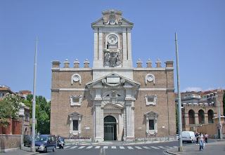 Porta Pia, designed by Michelangelo in 1564, stands at the  end of Via XX Settembre, not far from the Villa Borghese