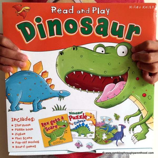 Read and Play Dinosaur by Miles Kelly