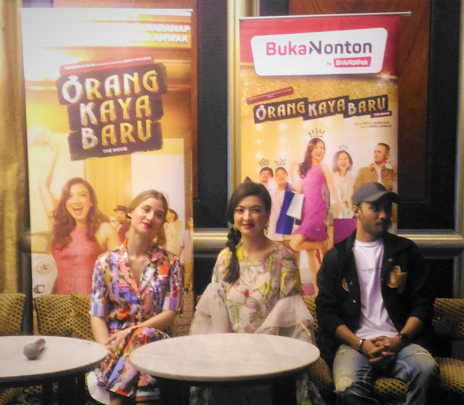Menggelar Pemutaran Perdana Di Bandung Film Orang Kaya Baru Disambut Antusias Penonton
