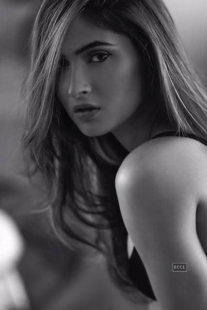 Karishma Sharma Bikini Pics (7)
