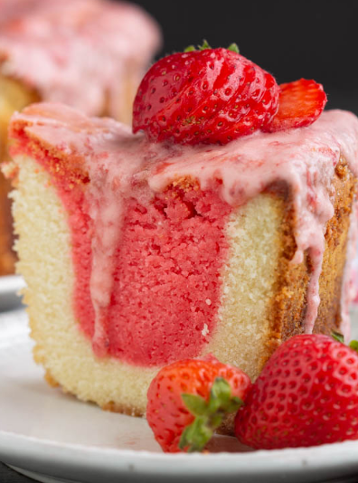 STRAWBERRY AND CREAM POUND CAKE WITH JELLO