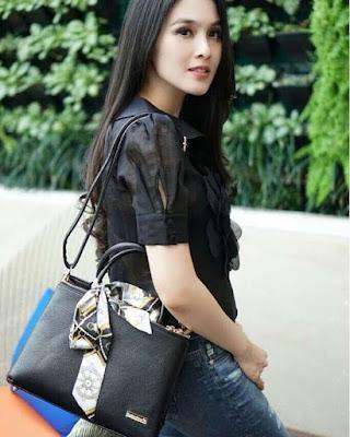 Sandra Dewi JH Talita Bag Black