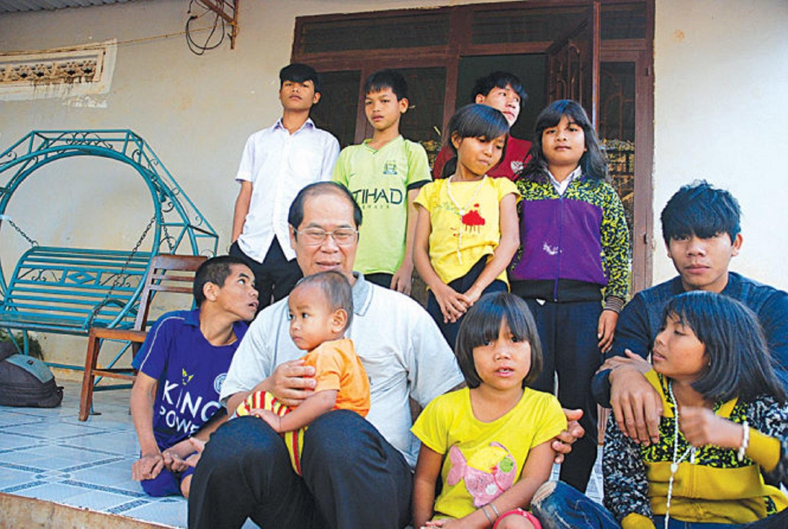 Gia Lai: Làm cha của 71 đứa trẻ