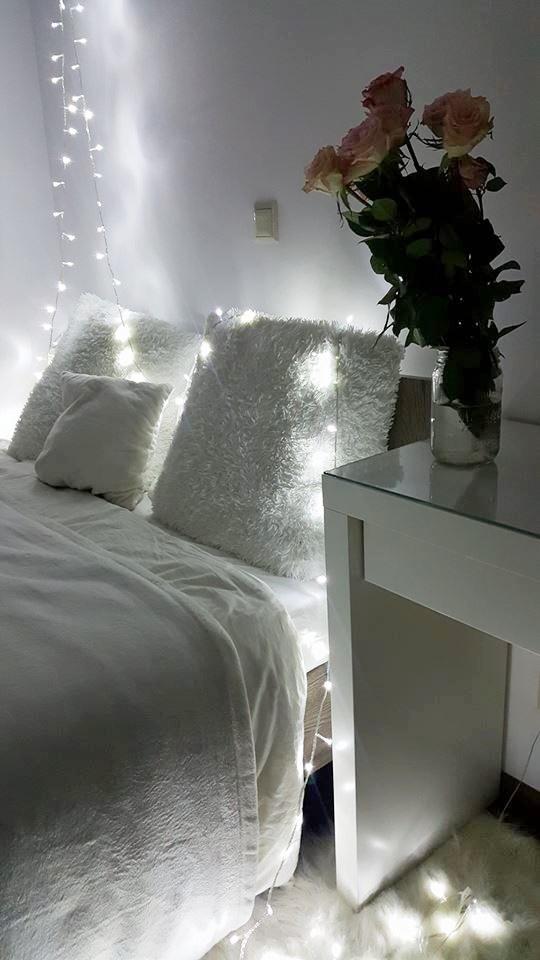 światełka w sypialni