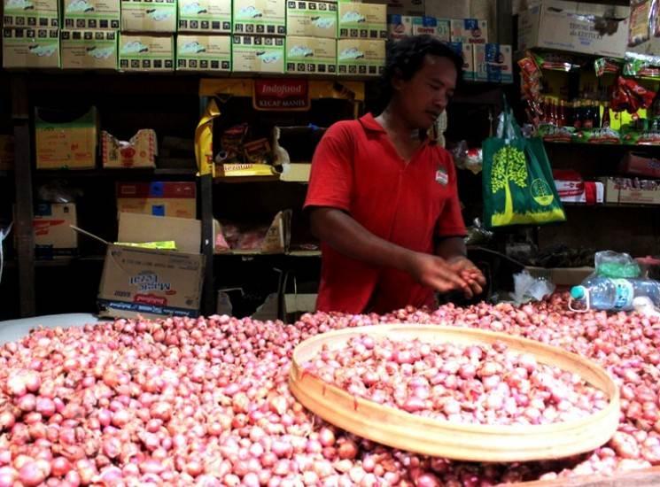 Akibat anomali cuaca, Harga bawang di Ngawi meroket hingga 47 persen