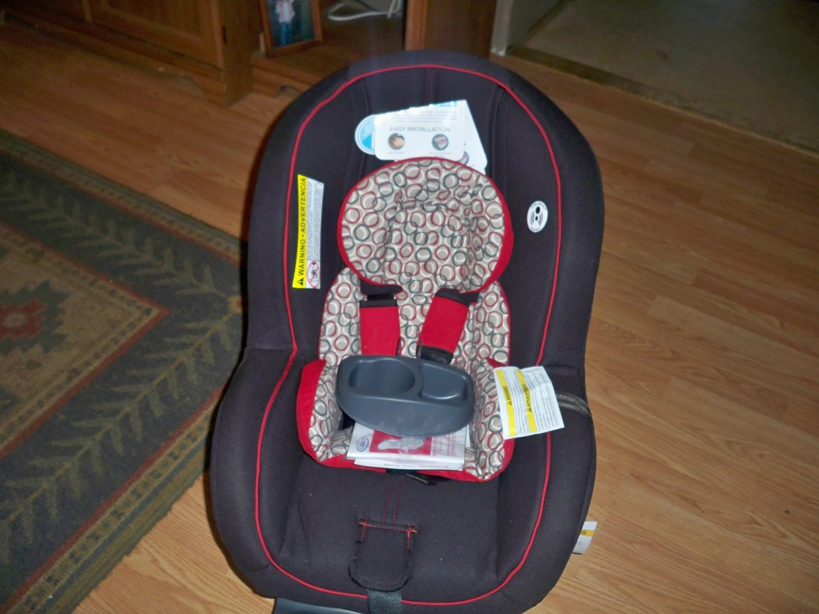 I Love So Many Things About This Car Seat The Cup Holder On Side Is Very Handy And It Can Hold A Snack Or Drink Be Easily Removed For