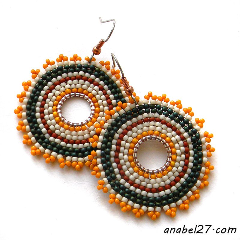 Яркие круглые серьги из бисера - этнические украшения