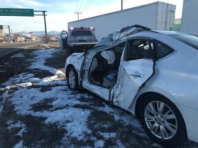 Muere un hombre en Nogales al derrapar auto por congelamiento de calle