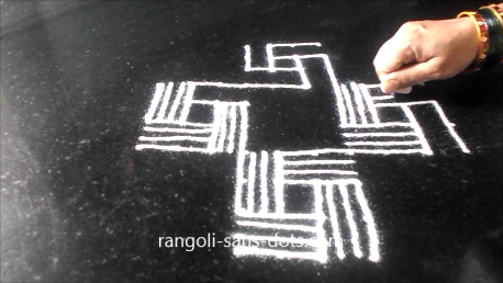 padi-kolam-with-twists-1521ae.jpg