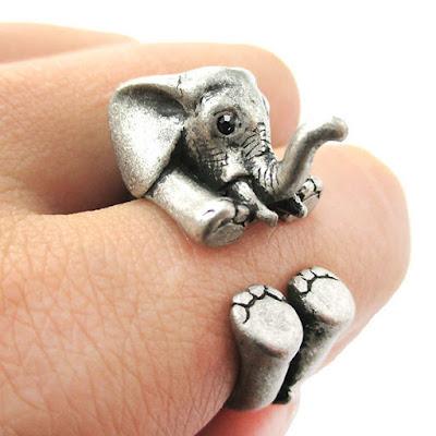 Diseño de anillo con forma de elefante