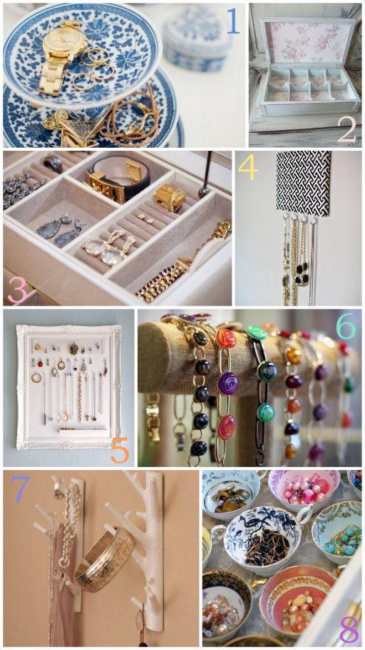 jak przechowywać biżuterię, organizacja biżuterii, biżuteria w domu, wieszak na biżuterię, stojak na biżuterię, szkatułka na biżuterię, jak przechowywać bransoletki, naszyjniki, pierścionki