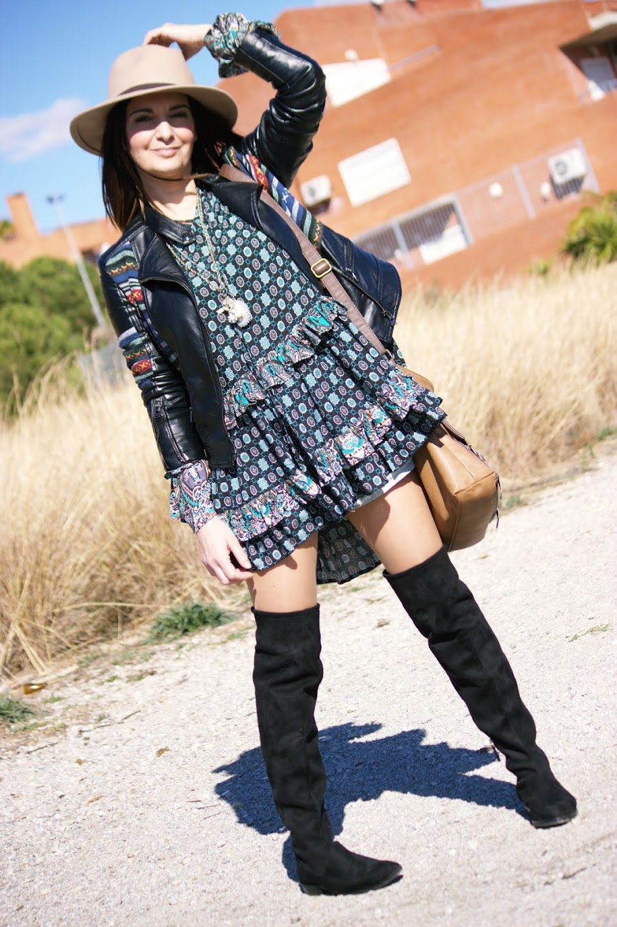 El Blog De Ren 233 E Vestido Boho Con Botas Altas