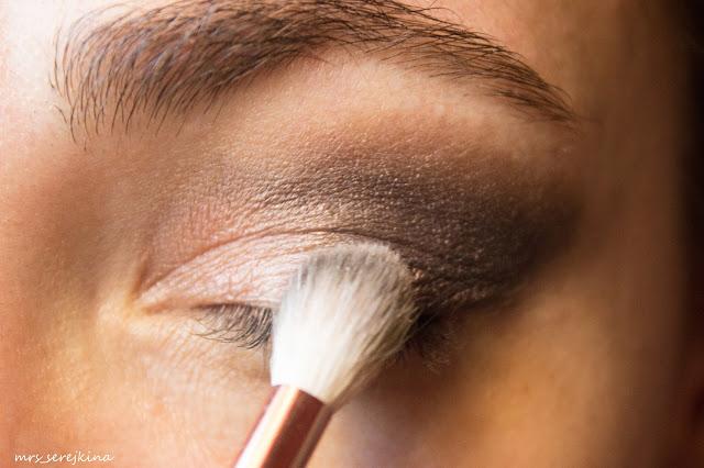 Universal evening make-up: step 8