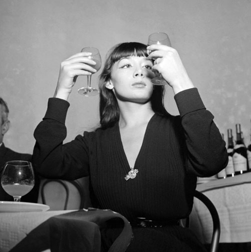 Stile Peplo Greco: Bitterness Personified: Juliette Greco At The Royal