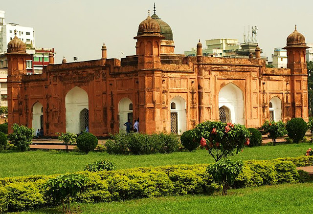 labagh fort mosque