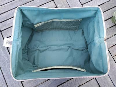 costura, couture, sewing, boxy bag, retreat bag, cosmetique pochette, bolsa aseo, bolsa maquillaje, tela vintage, little french house