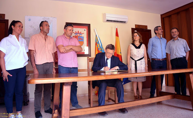 ximo-puig-ayuntamiento-torrebaja-valencia