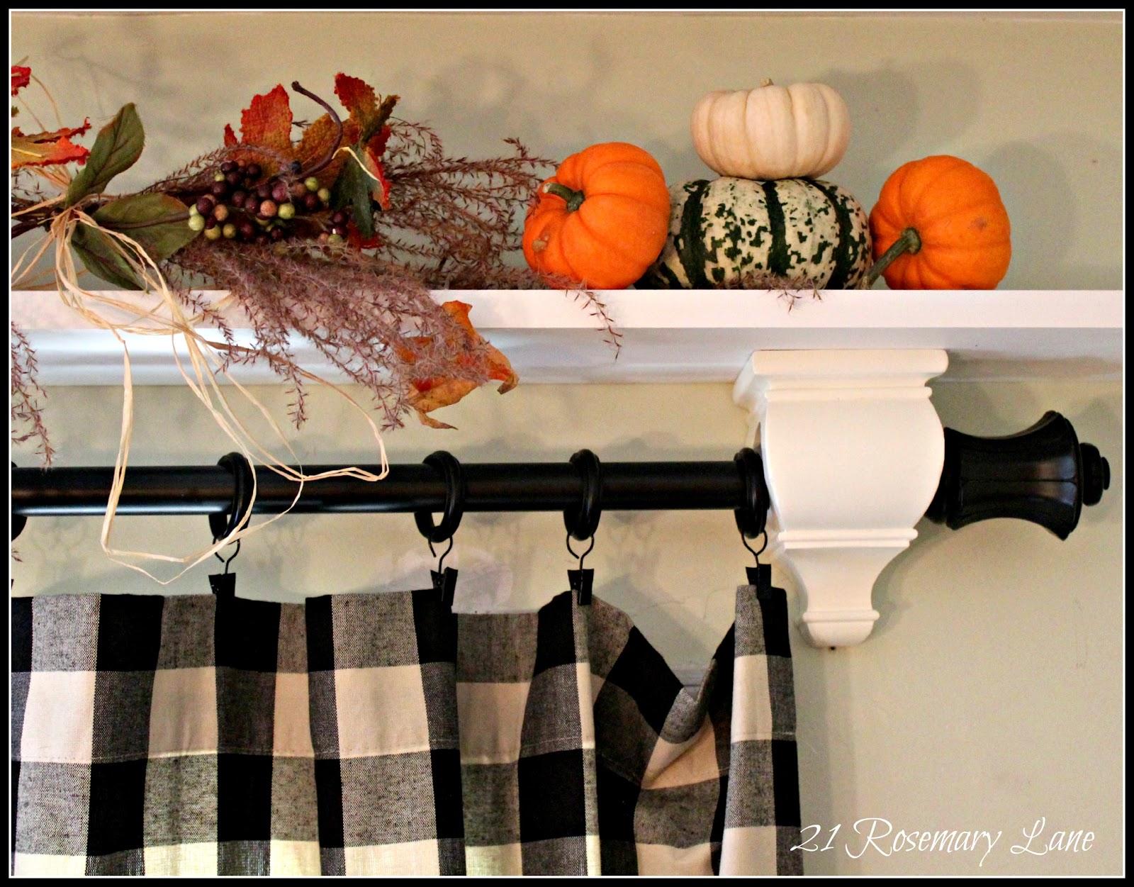 21 Rosemary Lane: Easy + Decorative Over-the-Door Shelf
