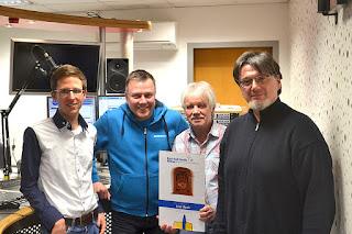 Im Selbstfahrerstudio von Radio Ennepe Ruhr entstand das Foto mit (von links) Andreas Wiese, Marek Schirmer, Michael Winkler und Christian Lukas. (Foto: Peter Dziadek)