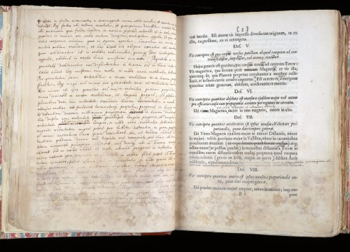 Στο «σφυρί» η πρώτη έκδοση σπάνιου αντιγράφου του «Principia Mathematica» του Νεύτωνα