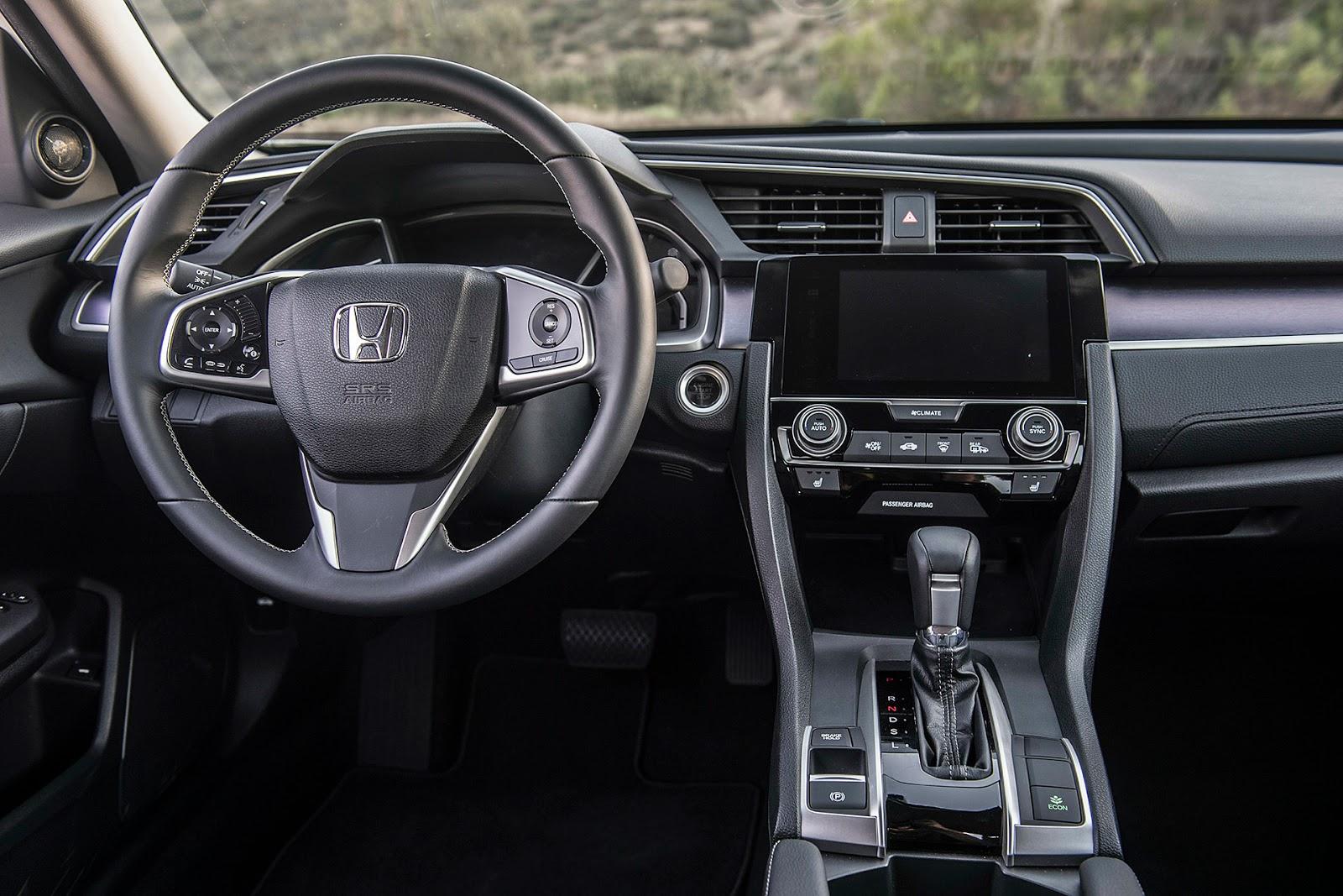 Nhiều hệ thống giải trí hiện đại đã được xuất hiện trên Honda Civic 2016