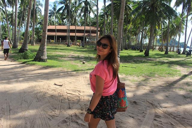 Monnette Santillan strolling in Palawan